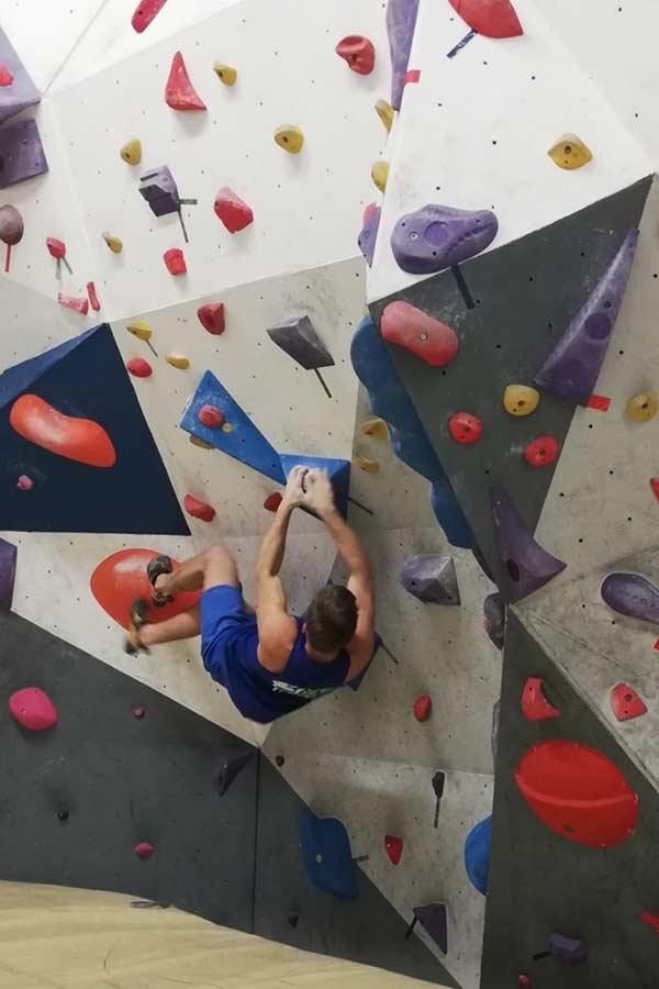 palestra-chiaravalle-centro-sportivo-natural-center-arrampicata-sportiva-10